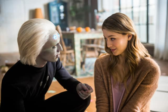 Hitting it Off? - Supergirl Season 3 Episode 10