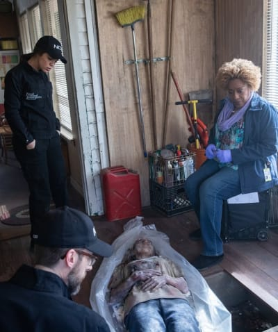 Grisly Discovery - NCIS: New Orleans Season 5 Episode 17