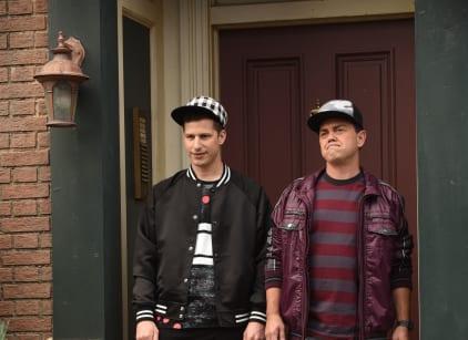 Watch Brooklyn Nine-Nine Season 5 Episode 3 Online