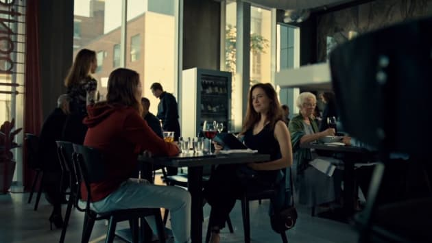 Mother and Daughter Dinner - Mary Kills People Season 2 Episode 5