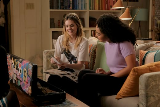Sutton and Kat - The Bold Type Season 2 Episode 7