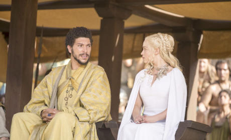 Hizdahr and Dany at the Pits - Game of Thrones Season 5 Episode 9