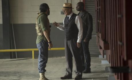 Red makes a deal - The Blacklist Season 4 Episode 3
