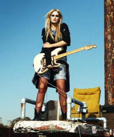 Whitney Thompson Photo