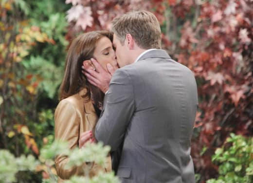 Kissing In the Park - Days of Our Lives