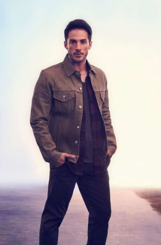 Michael Trevino as Kyle Valenti - Roswell, New Mexico