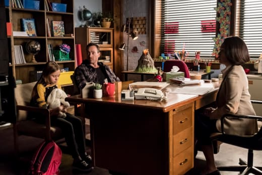 Cicada on Dad Duty - The Flash Season 5 Episode 7
