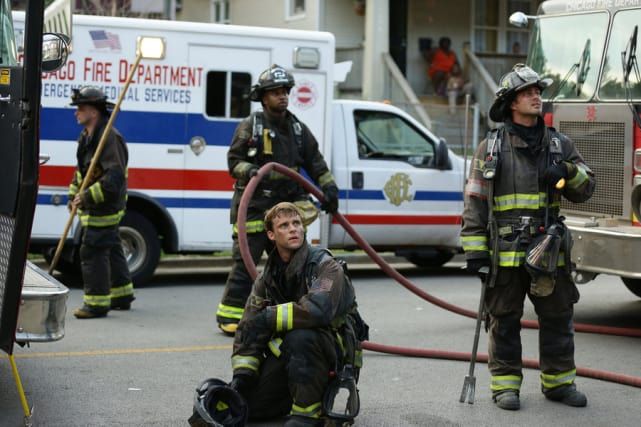 Back to work chicago fire season 4 episode 1