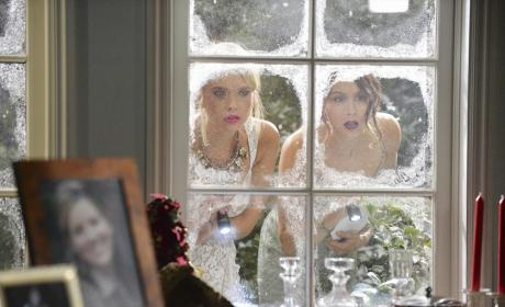 Outside Looking In - Pretty Little Liars Season 5 Episode 13