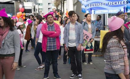 Watch Modern Family Online: Season 8 Episode 19