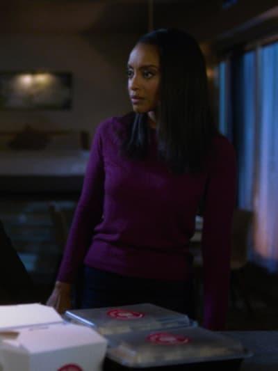 Concerned - Supergirl Season 6 Episode 2