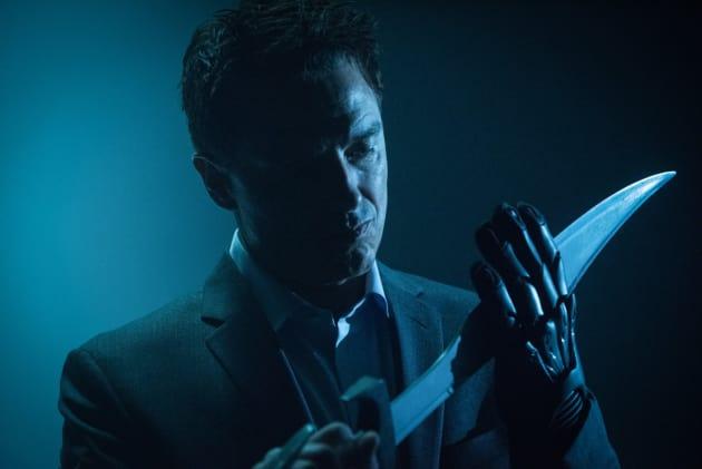 Shiny - DC's Legends of Tomorrow Season 2 Episode 10