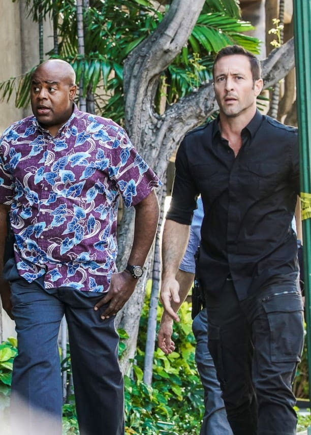 Junior is Torn - Tall - Hawaii Five-0 Season 9 Episode 17