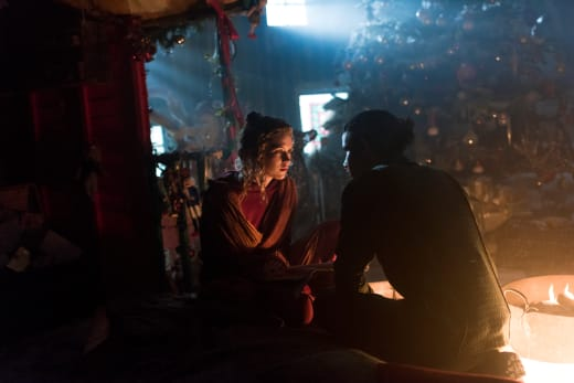 M.K. and Ava On the Run - Into the Badlands Season 2 Episode 6