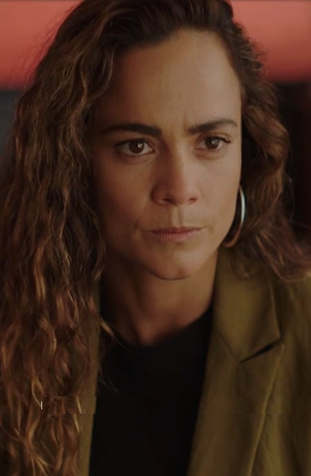 Handling an Adversary - Queen of the South Season 4 Episode 10