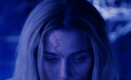 Shauna Saves a Life? - The Passage Season 1 Episode 9