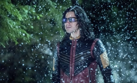 Vibe in Action - The Flash Season 3 Episode 22