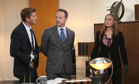 Brennan and Booth Take a Suspect, Guest Star Gil Bellows, into Custody - Bones Season 10 Episode 7