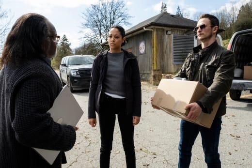 Working on a Case - Debris Season 1 Episode 12