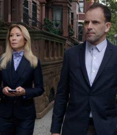 Solving a Murder -- Tall - Elementary Season 7 Episode 8
