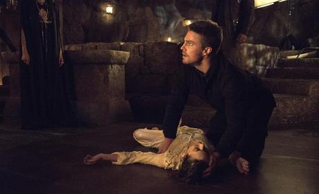 Arrow Season 3 Episode 20 The Fallen Photos TV Fanatic