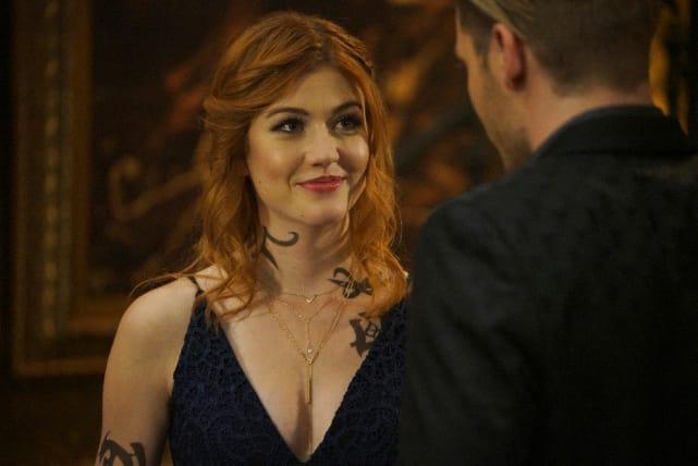 Clary's Strength - Shadowhunters Season 2 Episode 8