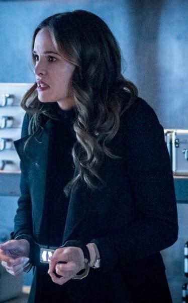 A Desperate Caitlin - The Flash Season 5 Episode 19