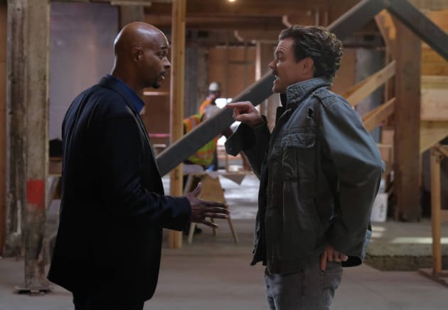 I'm Right, You're Wrong - Lethal Weapon Season 1 Episode 13