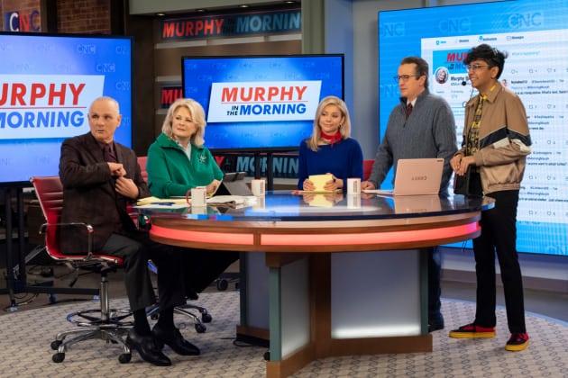 Murphy and Her Crew - Murphy Brown Season 11 Episode 11