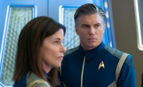 Admiral and Captain - Star Trek: Discovery Season 2 Episode 9