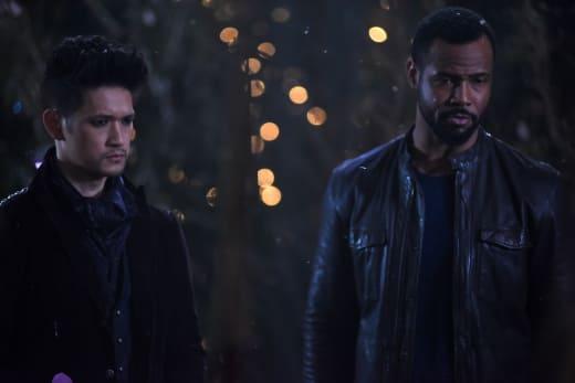 Downworlder Decisions - Shadowhunters Season 2 Episode 18