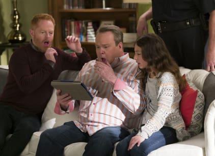 Watch Modern Family Season 8 Episode 13 Online