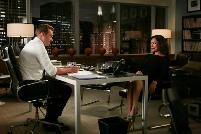 This Looks Awkward - Suits Season 6 Episode 1