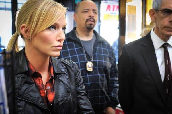 Rollins Distracted