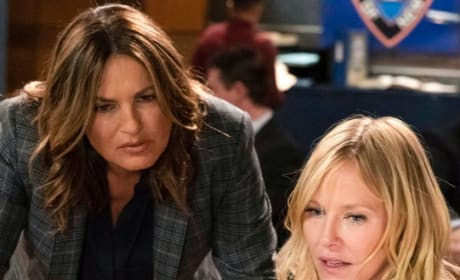 Looking at the Evidence - Law & Order: SVU Season 20 Episode 22