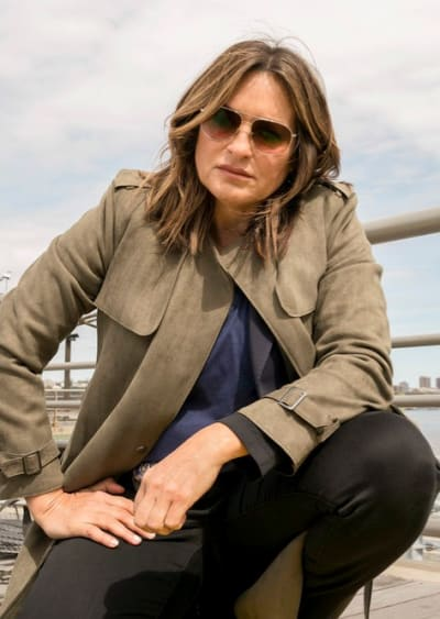 Benson on the Pier - Law & Order: SVU Season 20 Episode 24