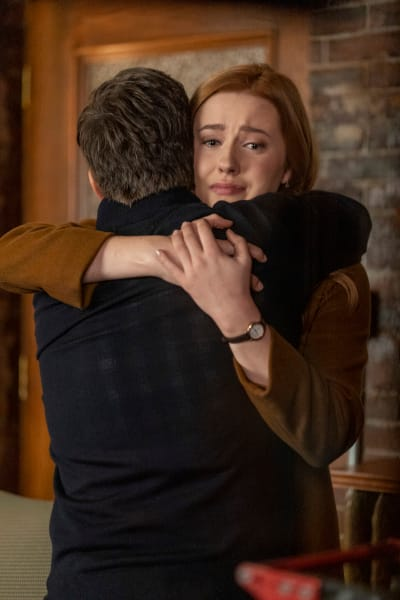 Family Hug - Nancy Drew Season 2 Episode 5