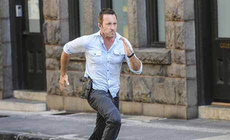 On the Hunt for a Vigilante - Hawaii Five-0