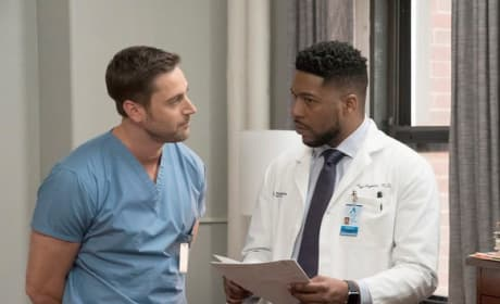 Can You Help? - Tall - New Amsterdam Season 1 Episode 11