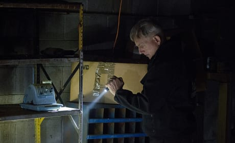 Gibbs with a Flashlight - NCIS Season 12 Episode 23