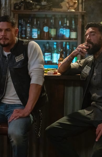 The Brothers Drink - Mayans M.C. Season 3 Episode 9
