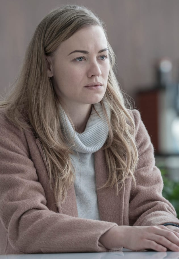 A Conflicted Serena - The Handmaid's Tale Season 3 Episode 5