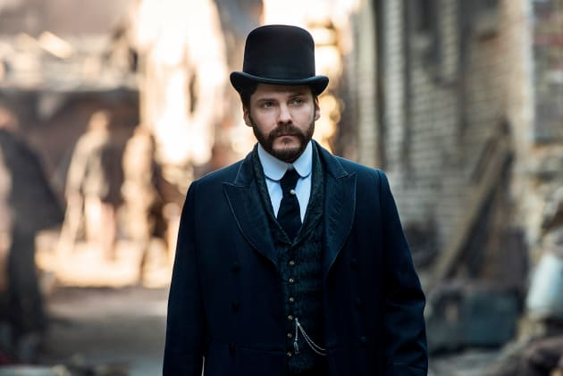 A Close Up of Beechum - The Alienist Season 1 Episode 10