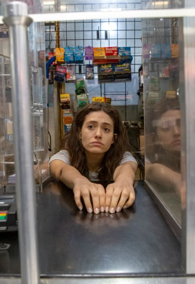 Back to the Grind - Shameless Season 9 Episode 13