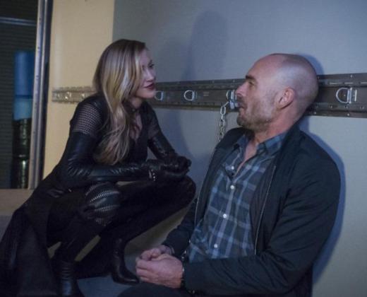 A Father-Daughter Reunion? - Arrow Season 5 Episode 22