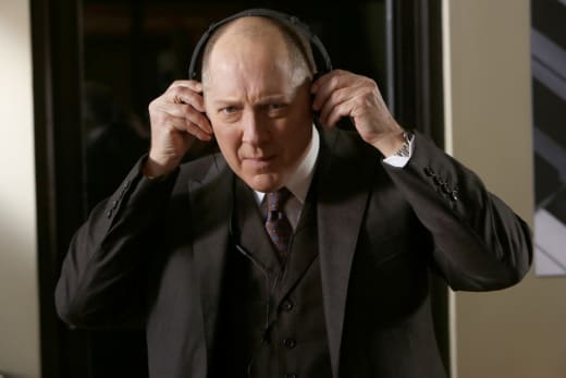 Red listens to some tunes - The Blacklist Season 4 Episode 19