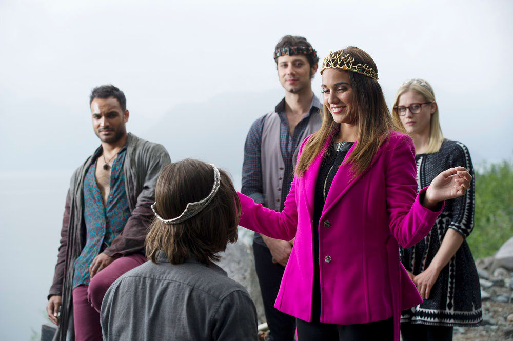 Margo Crowns Quentin - The Magicians Season 2 Episode 1 - TV Fanatic