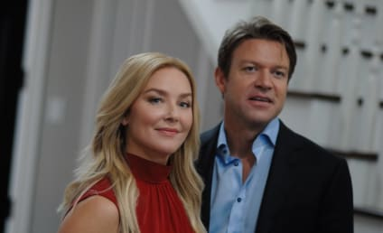 Elisabeth Röhm Talks Lifetime's Family Pictures, Working with Justina Machado & More!