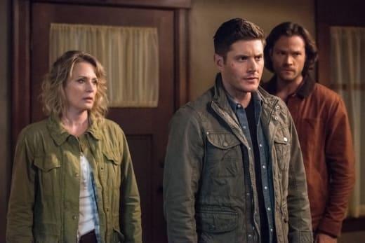Sam, Dean and Mary arrive - Supernatural Season 12 Episode 23