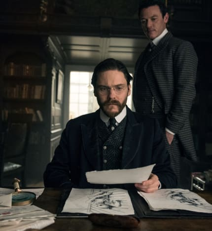 Old Friends - The Alienist Season 1 Episode 1